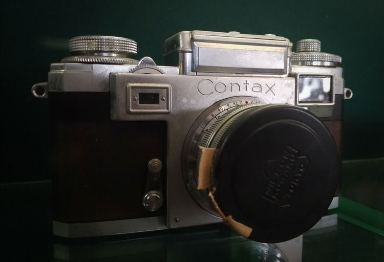 Sri Sultan Hamengkubuwono IX Camera Antique filmcamera Retro Styled Old Close-up Camera - Photographic Equipment Masterpiece Zeiss Oldcamera