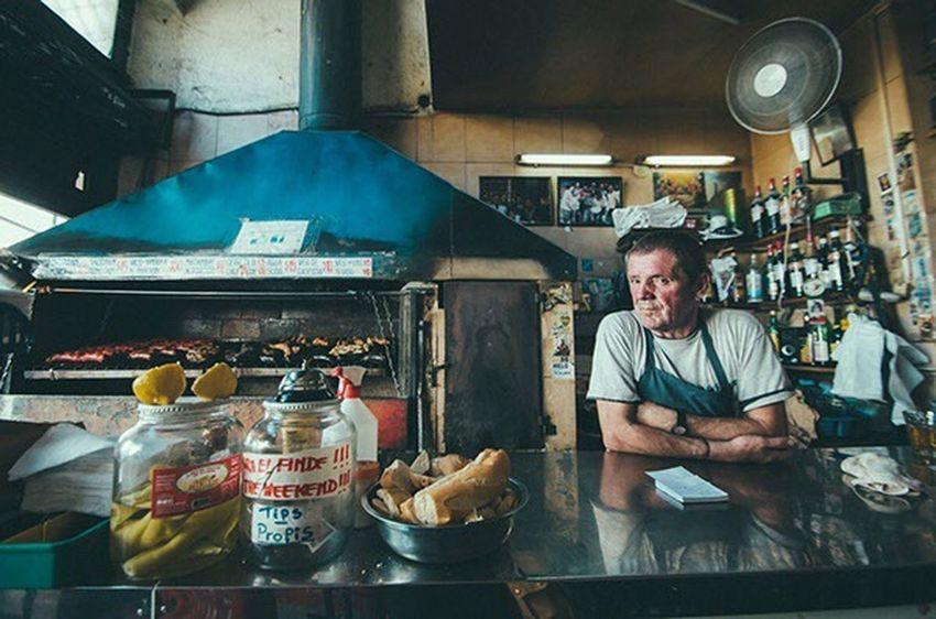 Man Buenosaires Shopkeeper Chef Asado Asador