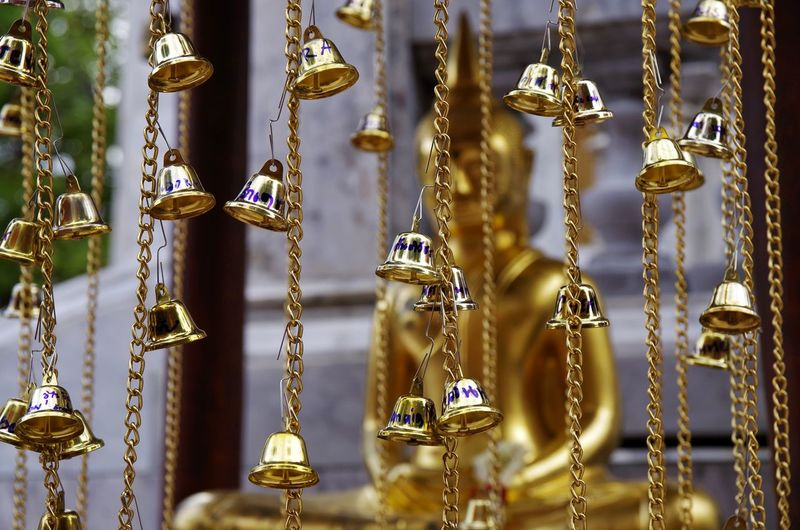Hanging Focus On Foreground Metal No People Close-up Gold Colored Choice Large Group Of Objects Variation Retail Display Creativity Retail  For Sale Market Day Lighting Equipment Collection Selective Focus Side By Side Outdoors Thailand Adventure