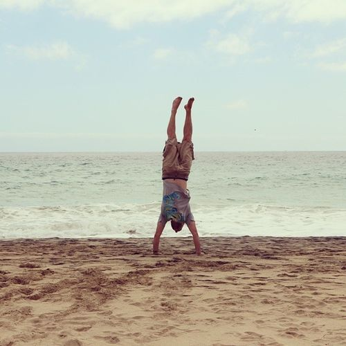 After years of hard training, I finally can take part in the Handstand  Competition initiated by @fridel