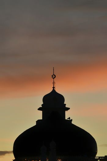 Baiturrahman grand aceh mosque Aceh Sky Sunset Architecture Built Structure Silhouette Religion Cloud - Sky Place Of Worship No People Orange Color Building Exterior Belief Building Nature Dome Spirituality The Past Outdoors History Spire