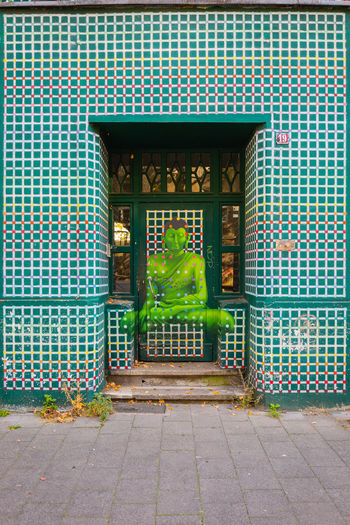 Green Architecture Built Structure Building Exterior No People Day Footpath Outdoors Plant Düsseldorf Deutschland Germany Flingern Süd Graffiti Painting Entrance Door Creativity Pattern Art And Craft Green Color Ornate Closed person Grid