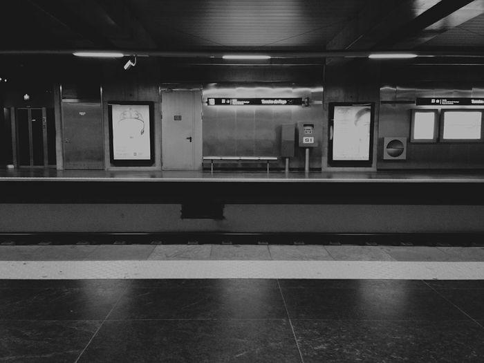 Metro Station Wating ?