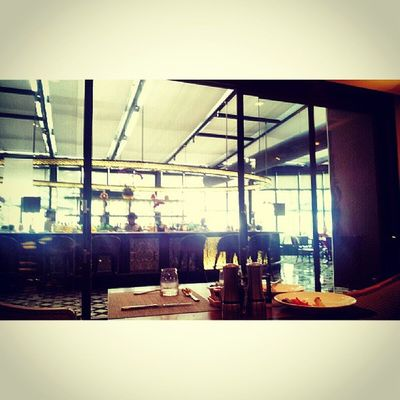 The Bar.. Sofitel Sofitelmanila Luxuryhotel Hotel itsmorefuninthephilippines discoverphilippines travelphilippines travelmanila phonephotography
