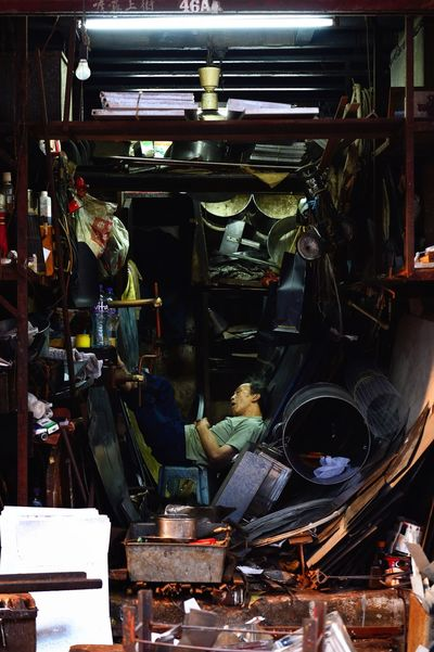 Toughness Stranger Streetphotography Fresh On Eyeem  The Week Of Eyeem Man Hong Kong HongKong Tough Tough Life Sleep Metalsmith Smith Hardship Respect Dignity Lives Are Not Easy