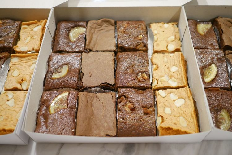 Mixed sliced brownie in the box. Homemade Brownie EyeEm Selects Food Food And Drink Freshness Indoors  Sweet Food Temptation Dessert Ready-to-eat High Angle View No People Unhealthy Eating Baked