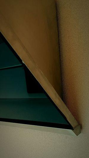 MaterialDesign Black Glasses Patern Wall - Building Feature Steel Rim