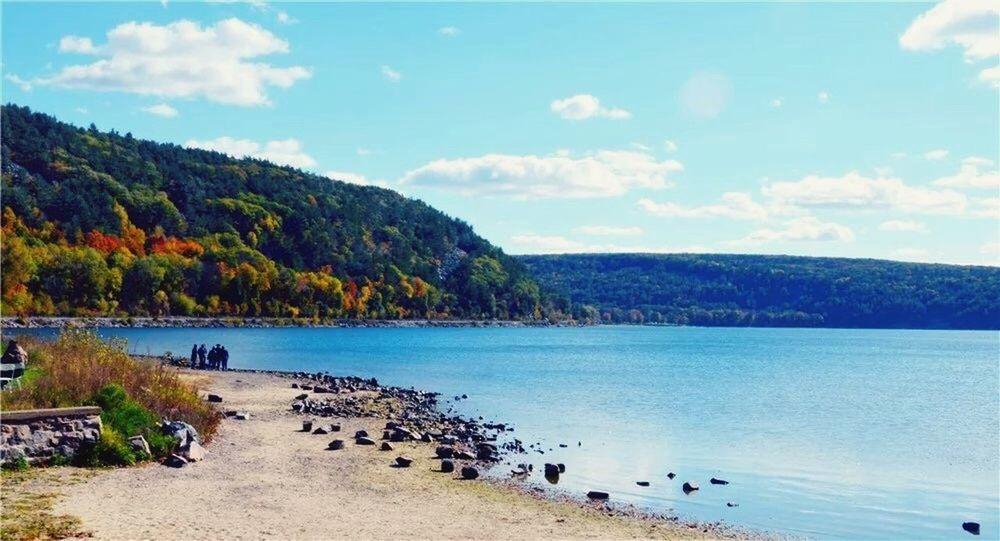 Enjoying Life Walking Around Fall Colorss beautiful view at Devil's lake state park!