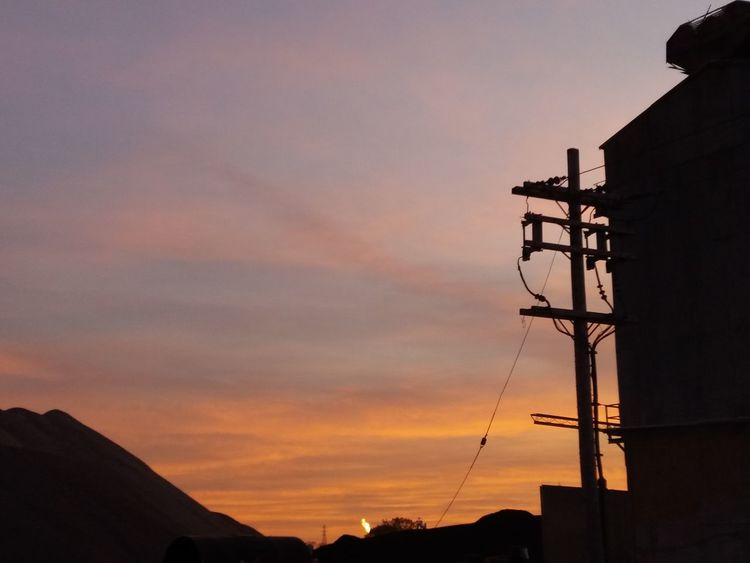 Silhouette Technology EyeEmNewHere Industry In City Sunset Outdoors No People Sky Business Finance And Industry Cloud - Sky Day Nature