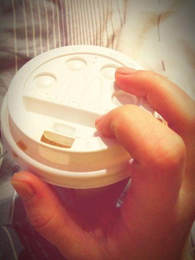 Осторожно горячо)))) вечернее кофе -питие в постели ... кофе☕💺✈ вечер кроваткамоя согреться