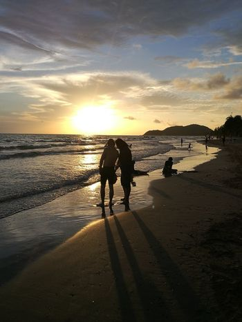 Sunset Sea And Sky Enjoying Life Taking Photos Huaweiphotography Thai Holiday Thailand Friendship