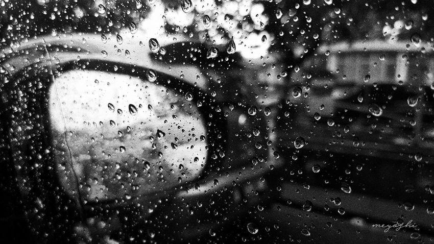 Rainy Days Water RainDrop Rain Rainfall Raining Outside RainyDay Blackandwhitephotography Blackandwhite Photography Black And White Blackandwhite