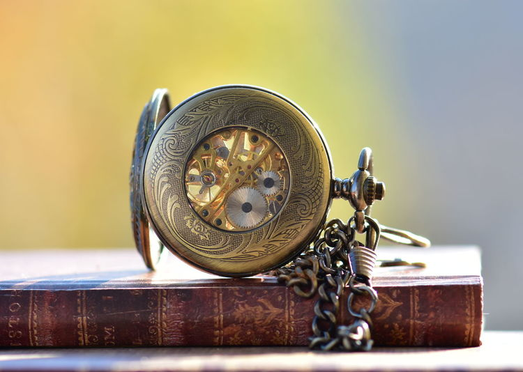Metal Close-up Antique Still Life No People Shape Watch Focus On Foreground Pocket Watch Indoors  Clock Time Retro Styled Wood - Material Chain Old Circle Geometric Shape History