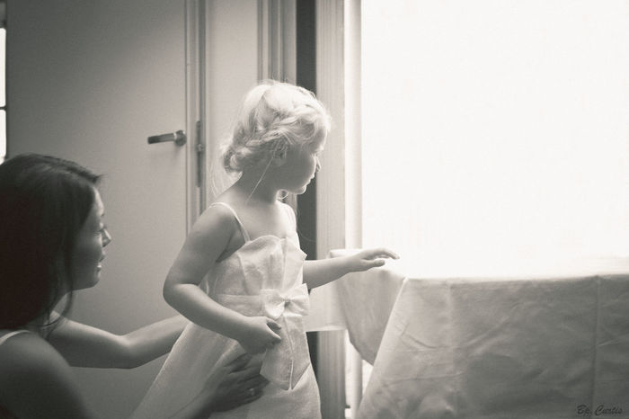 """Curiosity"" #Contrast #children Photography #contrasts #shadow #blackwhite #sunlight 35mm Wedding Photography Blackandwhite Children Playing Documentary Documentaryphotography"