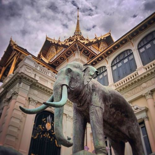 Bangkok Thailand Asian  Thai city streetphotography street road roadtrip instalike instafollow instadaily picoftheday beautiful urban elephant building royal palace monument