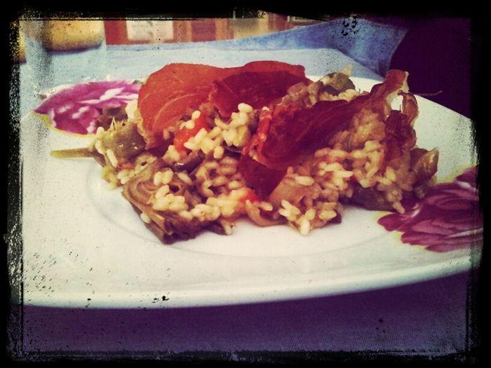 Arroz con alcachofas coronado con jamón crujiente #casinada Cocina Food