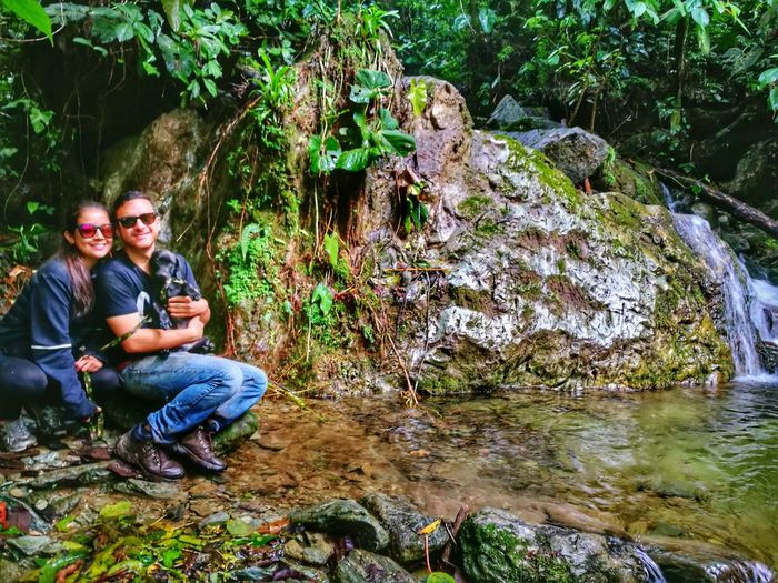 Explorando rincones del Quindio, Colombia, Coronel Juan y yo! Nature Naturelovers Coffeculture Colombia Travel Travel Destinations Ejecafetero Mountain Beauty In Nature Coffeelover Pets Dog Green Color Day Nature Cafe Coffee Dog