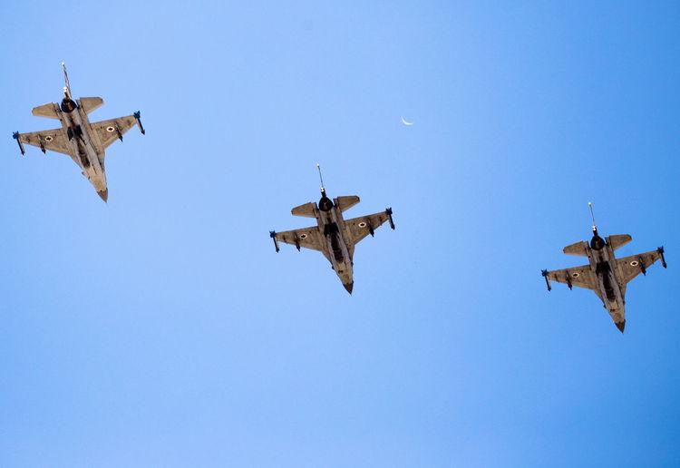 F-16 3 Air Vehicle Aviation Blue Blue Sky Clear Sky F-16 Flight Flying Flying Bird Israeli Air Force Mid-air Military Military Airplane Sky