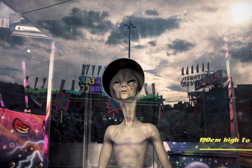 Alien Behindtheglass  Reflection Street Street Photography Streetphoto Streetphoto_color Streetphotography The Street Photographer - 2017 EyeEm Awards