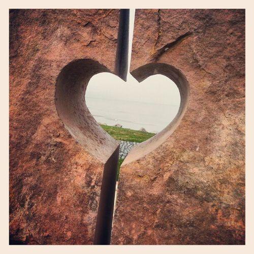 Túloldalon ott a part! :-) Balaton Zamardi Sculpture Heart Lake Water Hungary Ig Art