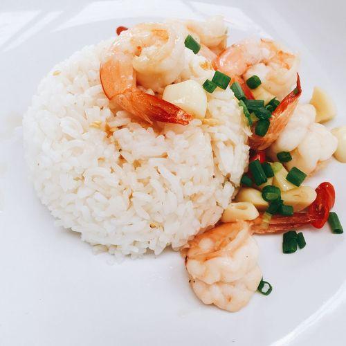 Soo goood !! Friedrice Shrimps Chilly Stir Fry Thaifood Thaifoods ThaiFoodGoodTaste Spicy Food Delicious Yammy!!  IPhoneography Shrimp! Foodstagram Instafood Garlic