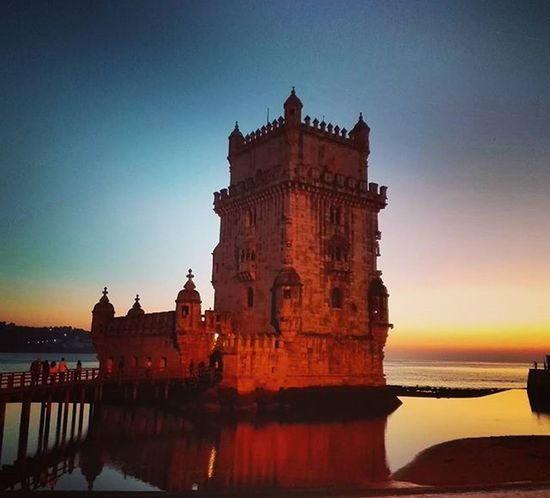 Igers Walking 2015  Bestoftheday Bestphoto Picoftheday FotoDelDia Lisboa Autumm Otoño Paseando Instagood Instamood Instaphoto Lisbon Sunrise Sea Sun 58 Ybajando