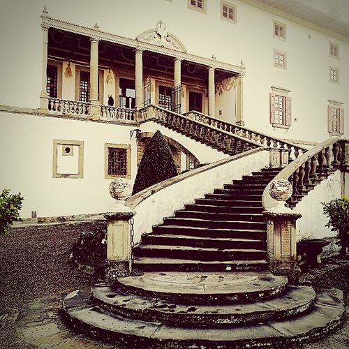 Architecture Steps Staircase Outdoors No People Built Structure Lorenzo Il Magnifico Tuscany Italy Photos Rinascimento Rinascimentale Artimino Toscana Reinessance