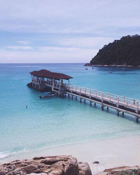beautiful island😻🇲🇾 Taking Photos Island Vscocam Blue Sky Blue Sea Blue Malaysia Ocean Swimming Perhentian Island First Eyeem Photo