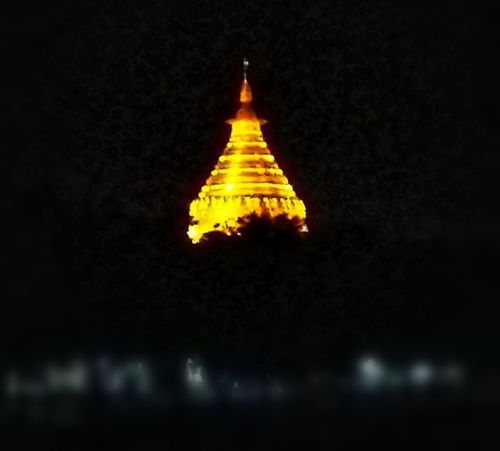 Farawayfromhome HuaweiP9 Huaweiphotography ASIA Southeastasia Myanmar Burma Yangon Sule Pagoda Sule Pagoda Road City Night Nightphotography Night Lights Voyageurs Reisen Travellers Loin D'ici Writer Weg Night Architecture Illuminated Travel Destinations No People Built Structure Religion