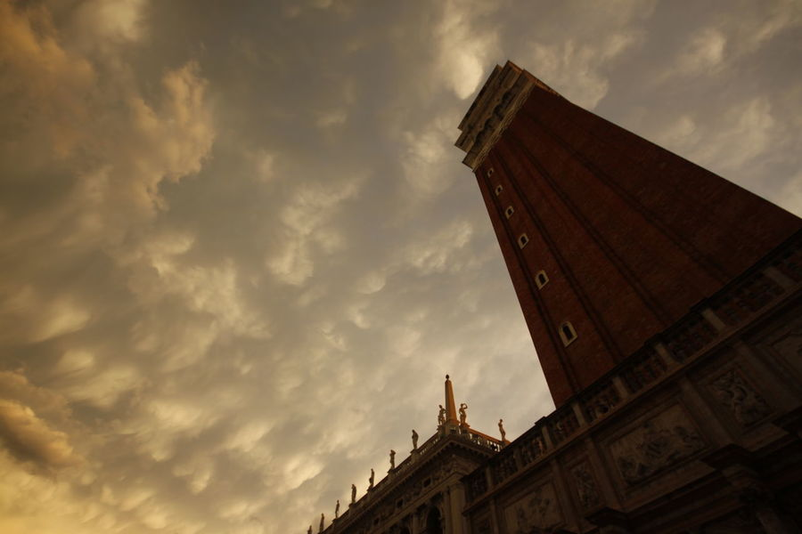 Dogenpalast Architecture Building Exterior Built Structure City Cloud - Sky Day Low Angle View No People Outdoors Sky Sunset Venice