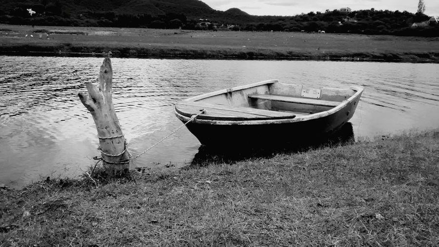 Cabra corral Cafayate camping Pesca pescando Blanco Y Negro