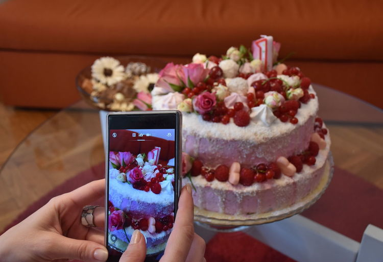 Taking Photos Body Part Cake Close-up Focus On Foreground Food Food And Drink Freshness Hand Holding Human Body Part Human Hand Indoors  Indulgence Leisure Activity Lifestyles Mobile Device One Person Phone Ready-to-eat Real People Sweet Sweet Food Temptation