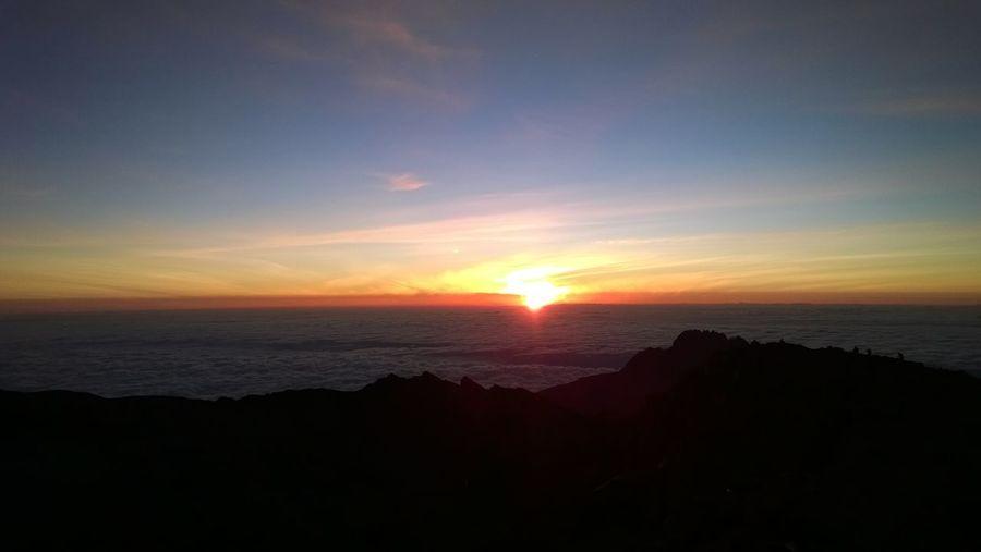 Africa Tanzania SevenSummits Beauty In Nature Horizon Idyllic Kilimanjaro Kilimanjaronationalpark Mountain Peak No People Sunrise Tranquil Scene Tranquility Uhuru Peak
