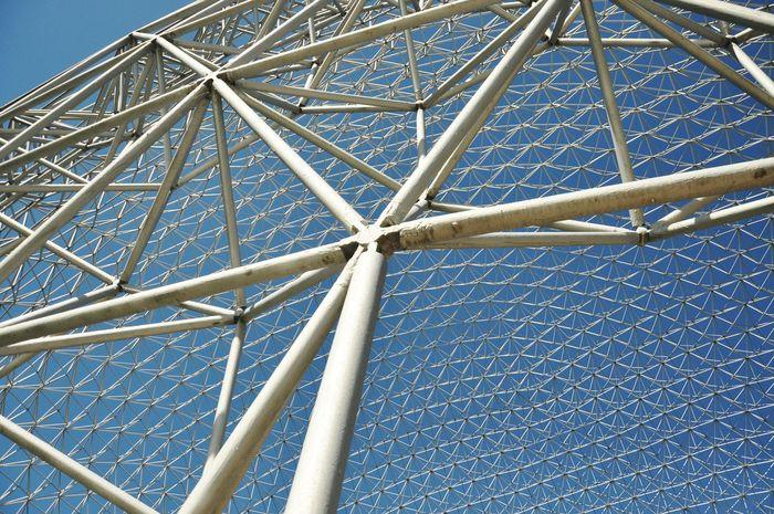 Built Structure Metal Structure Globe Polygons Architectural Detail Montréal World Fair Travel Destinations Blue Sky Knot Minimalist Architecture The Architect - 2018 EyeEm Awards