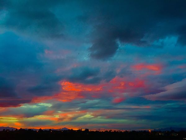 Electric sky during the 2015 monsoon season in Safford, Arizona. Sky Clouds And Sky Arizona Sky Colors Nature Mothernature Beauty Skies Light Summer Summertime Weather Safford