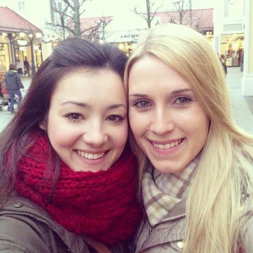 Girls Shopping Day
