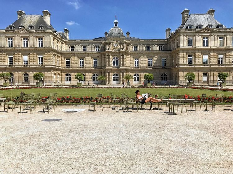 Sunbath in front of the Sénat 😀 Jardin Du Luxembourg Paris France Photooftheday Picoftheday Building Exterior Lifestyles Travel Destinations Iphoneology EyeEm Best Shots EyeEm IPhoneography EyeEmBestPics Iphonephotography IPhoneography Iphoneonly Outofthephone Mobilephotography Streetphotography Tourist Attraction  City Summer Life Moments