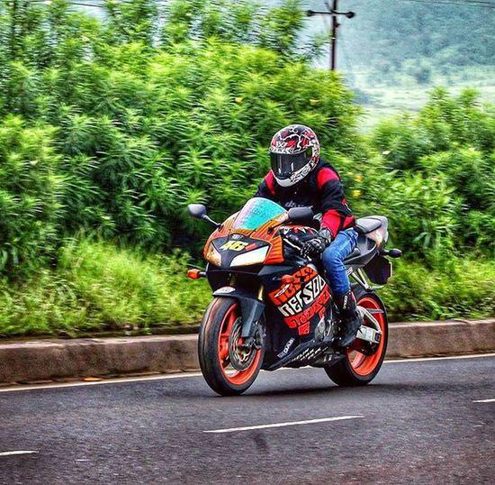 That Awesome Feel.. 😍 Ride Honda Cbr600rr Supersports Igatpuri Rains Greenery Bikersofinstagram Bikelife EpicRide Bikeporn Instamotogallery HDR Sparx Dsg VR46 Imtheindianbiker Mba Iffi46