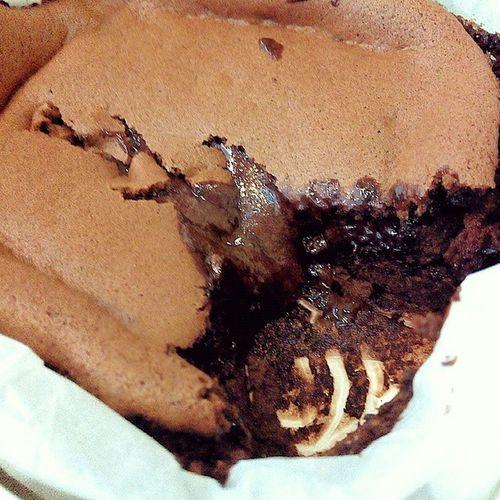 巧克力酱爆多? 開心老爸现烘凹蛋糕 巧克力凹蛋糕