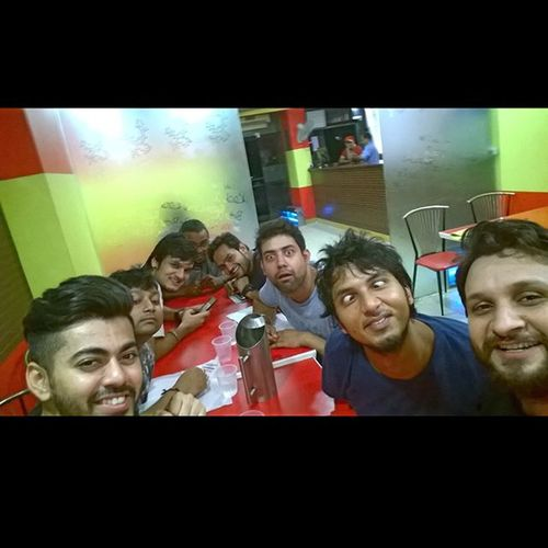 Dayout with Friends Masti Longweekend Celebration Nazeer Indrapuram Funny Eyes Selfie Groupselfie Ankitdogra