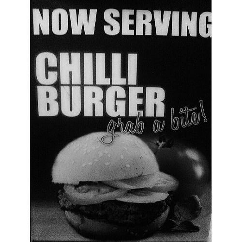 Nowserving Chili Burger! Its Polo Chelo night! Erickadacumos Rjdelrosario Mazalshorbaji