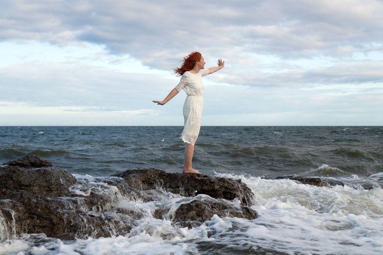 On the rocks. Redhead Ocean Sea Nature Gotland Ljugarn Sweden Canon Canon50D Canon1755