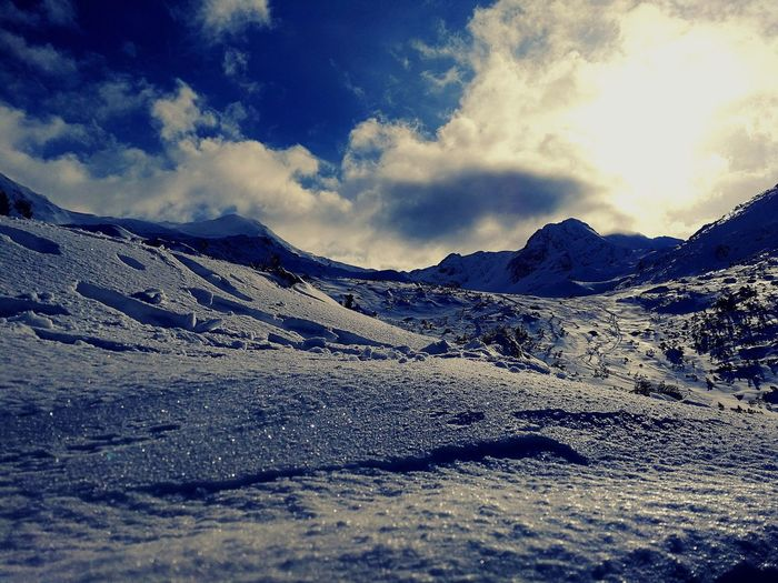 Retezat Retezatnationalpark HuaweiP10 Mountain Snow Nature Cold Temperature Sky Beauty In Nature Cloud - Sky Scenics Winter Outdoors Mountain Range Tranquil Scene No People Day Snowcapped Mountain Landscape Tranquility EyeEmNewHere Love Yourself