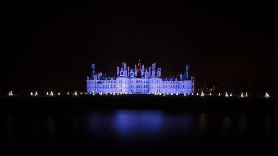 Ville. Historique ForTheLoveOfPhotography Historic Architecture Historic Architecture Historic Chateau De Chambord Eyem Best Shots Landscape_Collection EyeEm Gallery EyeEm Nature Lover Night Building Exterior Water Architecture Illuminated Built Structure Reflection Travel Destinations Waterfront No People City Sky Travel Government Tourism Nature Copy Space Clear Sky Luxury Nightlife