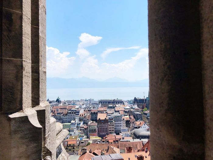 Cathederal Lac Léman Lausanne Switzerland EyeEm Best Shots EyeEmNewHere Sea EyeEm Selects Architecture Sky Built Structure Water Building Building Exterior Cloud - Sky Day City Nature No People Residential District Cityscape Sunlight Outdoors Window Horizon Over Water The Architect - 2018 EyeEm Awards