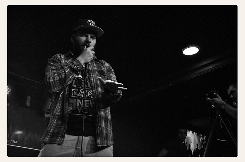 rapper Vollbart in the qualification round of the freestyle battle; @ Dreistil Kick Off (22.05.2014); copyright by Kathleen Montorio, picture taken with Nikon D5000 for the Hip Hop in Vienna Blog; Rap Battle, Freestyle Battle, Rapper In Vienna;