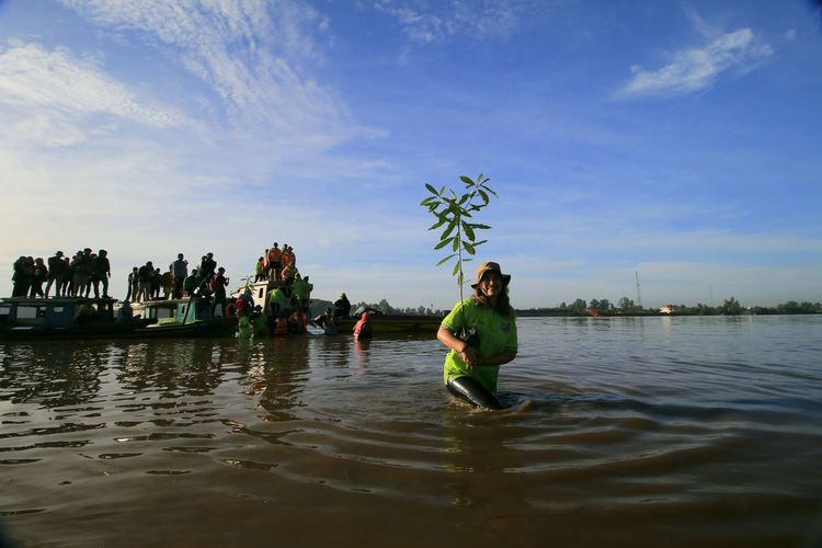 Planting Mangrove My Best Photo Water Men Nautical Vessel Full Length Occupation Women Lake Sky Low Tide