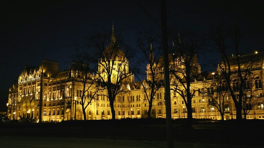 Seeing The Sights Budapest Parlament Capital Capital Cities  Lights Night Building Kossuthter Downtown HungarianParliamentBuilding EyeEmMission Showcase: November