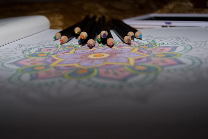12 Agresive Art Beguine Close-up Color Lines Colors Direction Mandalas Pencils Doni Sharp Lieblingsteil