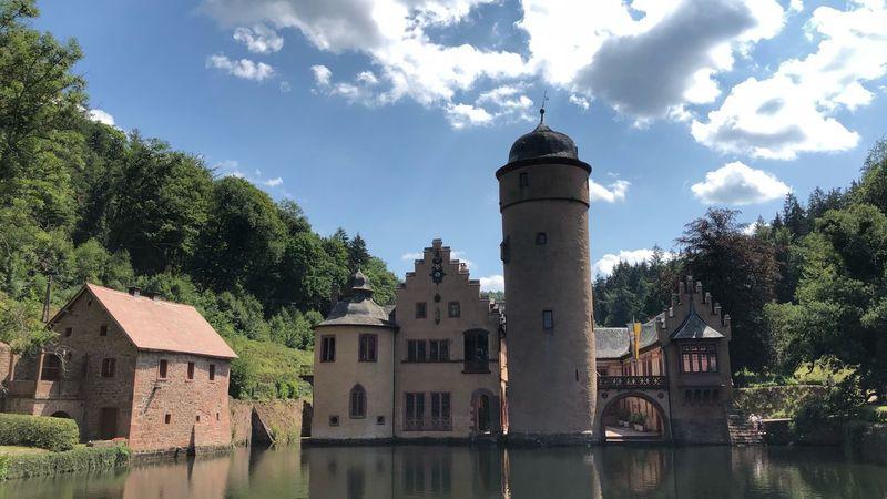 Renaissance Wasserschloss Castle EyeEm Selects Built Structure Building Exterior Architecture Sky Building Tree No People Tower Cloud - Sky Sunlight Travel Destinations